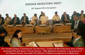 Smt. Ranjana Chopra, Commissioner cum Secretary – School & Mass Education, Govt. of Odisha exchanged the MoU with Austin Thomas, Director- SDN, Wadhwani Foundation in the presence of Shri Naveen Patnaik, Honorable Chief Minister of Orissa and other Ministers and senior officers of Odisha Govt