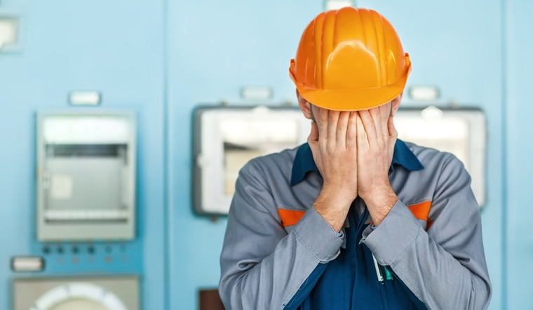 engineer-failed-engineering-skill-studdents-experience-shut
